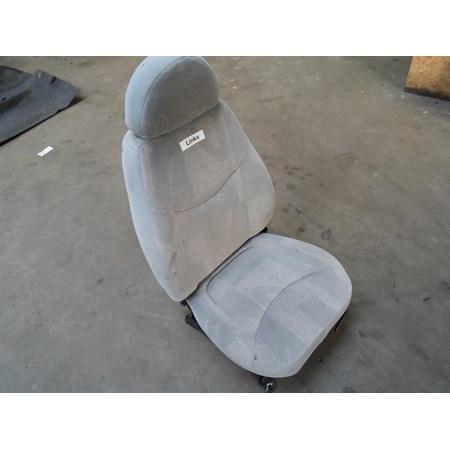 Bestuurdersstoel (links)